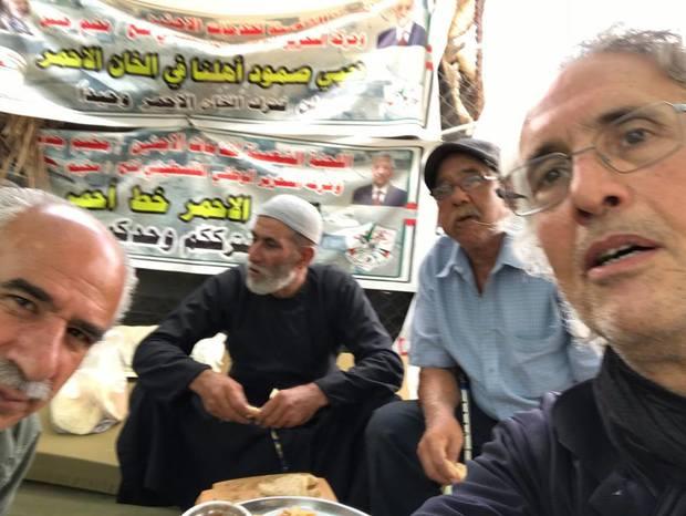 استاد دانشگاهی که به اتهام جلوگیری از تخریب منازل فلسطینیان بازداشت شد+ عکس