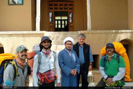 بازدید گردشگران خارجی از بیت تاریخی امام در خمین