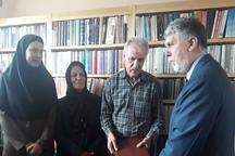 وزیر ارشاد  با پیشکسوت حوزه تئاتر در کرمان دیدار کرد