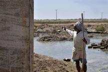کشاورزان دشت آزادگان ورودی آب به مزارع را مسدود کنند