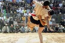 مسابقات کشتی با چوخه کشور در قوچان برگزار شد