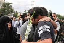خیران الیگودرزی 2 زندانی مالی را آزاد کردند