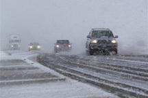 رانندگان مراقب یخبندان در محورهای غربی اصفهان باشند