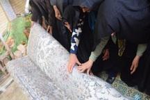 بافت چهارفرش اهدایی به حرم امام حسین(ع) در ابرکوه پایان یافت