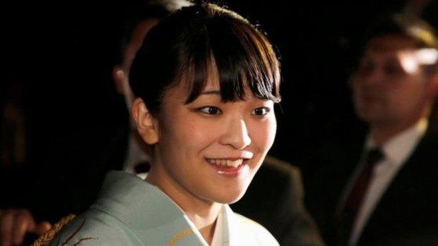 شاهزاده ژاپنی به دلیل عاشق شدن خاندان سلطنتی را ترک میکند
