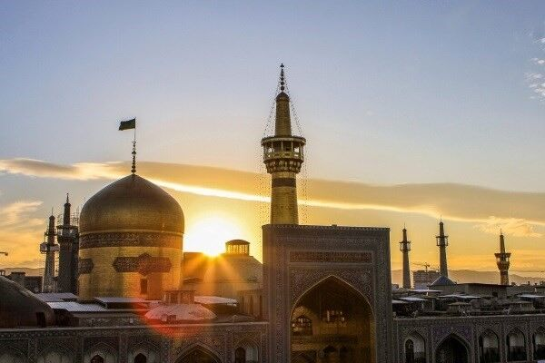 جوان انگلیسی از طریق ارتباط مجازی با حرم رضوی مسلمان شد
