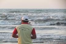 مناطق خطرآفرین ساحل آستارا با کمبود ناجیان غریق مواجه است