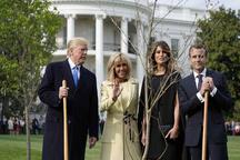 عکس/ هدیه ماکرون به ترامپ گم شد!