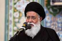 علم الهدی: گرامیداشت دهه کرامت بزرگترین حرکت  برای توسعه انقلاب و اسلام است