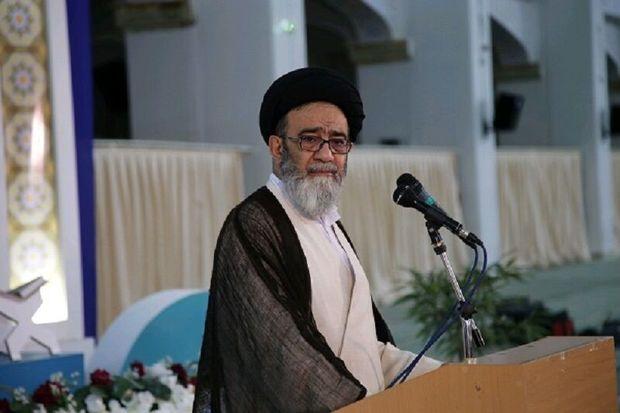امامجمعه تبریز: پلیس بصیرت نداشته باشد به دشمن کمک میکند