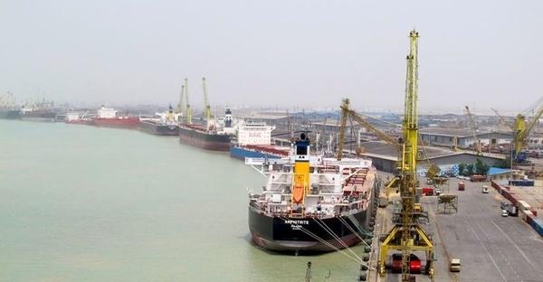 نشست بررسی مسائل و مشکلات  حوزه دریایی بنادر خوزستان برگزار شد