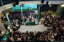 محمدجواد ظریف رای خود را در حسینیه جماران به صندوق انداخت + تصاویر