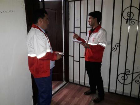 200 خانوار ایوانی تحت پوشش طرح ملی خادم هلال احمر قرار گرفتند
