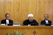 روحانی: همه قوا، نهادها و نیروهای مسلح برای تحقق هر چه بیشتر اقتصاد مقاومتی به میدان بیایند
