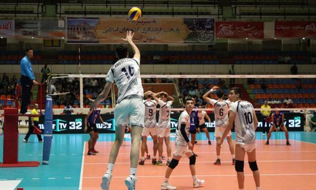 تمرینات تیم والیبال شهرداری ارومیه با جدیت پیگیری می شود