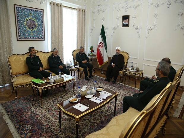 دیدار فرماندهان ارشد سپاه پاسداران با رئیس جمهوری