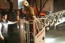 27 نفر از آتش سوزی ساختمانی در تهران نجات یافتند