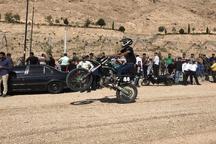 موتورسواران حرفه ای شاهرود حرکت های نمایشی اجرا کردند