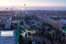 بیش از ۱۹۴ زائر روز گذشته از مرز مهران تردد کردند