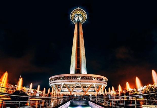 برج میلاد همزمان با تاسوعا و عاشورا تعطیل است