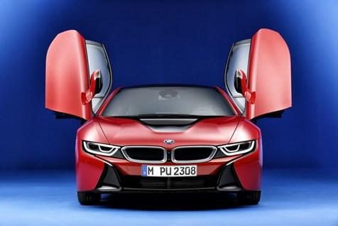 رونمایی از بی ام و i8 جدید در نمایشگاه خودروی ژنو