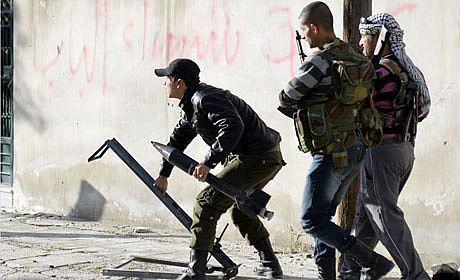 دخالت نظامی یا تقویت مخالفان اسد