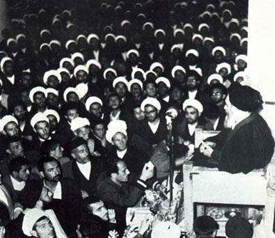 بازخوانی اعتراض تاریخی امام خمینی (س) به قانون کاپیتولاسیون