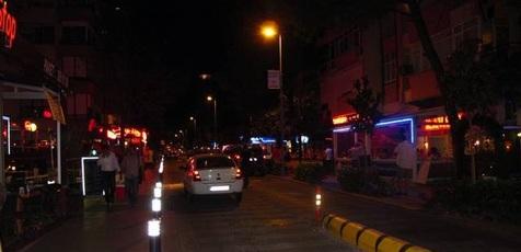 پنج خودرو در استانبول به آتش کشیده شد