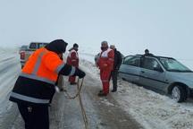 500 مسافر گرفتار در برف و کولاک جاده های تکاب نجات یافتند