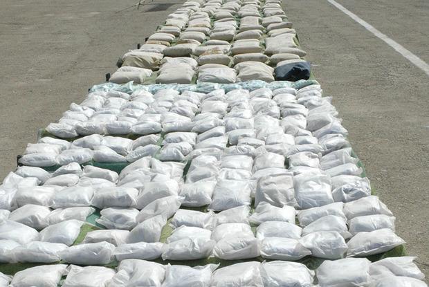 افزون بر یک تن انواع مواد مخدر در سراوان کشف شد