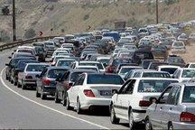 ترافیک ورودی تفرجگاه ها و داخل شهرهای خراسان شمالی سنگین است