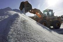 700 تن شن و نمک در راهدارخانه های مهاباد ذخیره شد