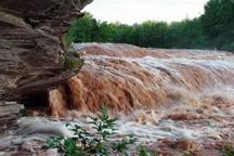 ناپایداری جوی و طغیان رودخانهها در چهارمحال و بختیاری خودداری دامداران از اتراق دامها در مسیر رودخانهها
