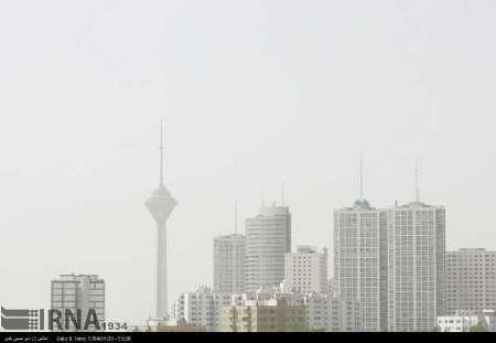 گرد وغبار آسمان پایتخت را فرا گرفت