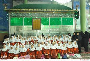 بازدید دانش آموزان  از حرم مطهر امام راحل
