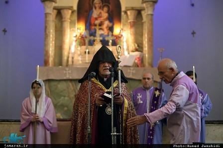اسقف اعظم ارامنه تهران و شمال: امام خمینی آزادی را به ارمغان آورد و خود خادمی برای ملت ها بود