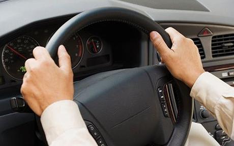 رانندگان باید هر پنج سال امتحان رانندگی بدهند