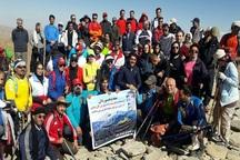 50 خوشنویس کشور به یاد استاد صادقی به قله بلقیس صعود کردند