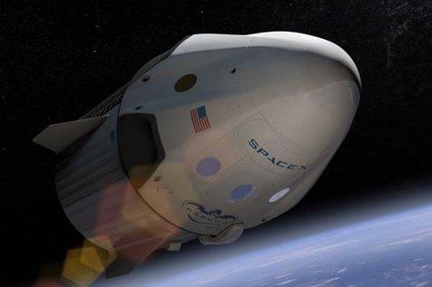 مسافر مرموزی به ماه می رود
