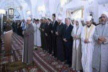 بشار اسد نماز عید فطر را در مسجدجامع «النوری» حماه اقامه کرد
