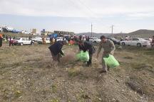 دوستداران طبیعت اماکن گردشگری چالدران را پاکسازی کردند