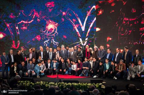 """سیمرغ های سی و هفتمین جشنواره فیلم فجر اهدا شدند/ """"شبی که ماه کامل شد"""" جوایز ارزشمند را تصاحب کرد"""