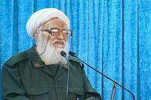 آیت الله موحدی کرمانی، خطیب نماز جمعه امروز تهران با لباس سپاه