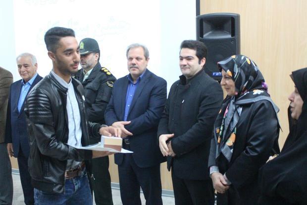 تجلیل از 250دانش آموز برگزیده شهرستان بندرانزلی