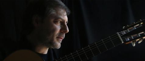داوید فیکو در تهران گیتار کلاسیک مینوازد