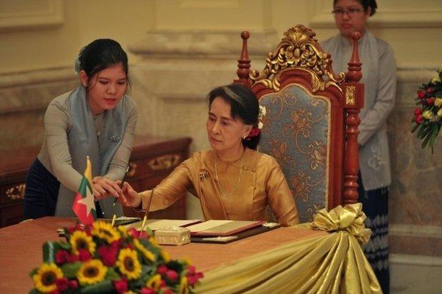 آنگ سان سوچی چهارشنبه میزبان کنفرانس صلح میان اقلیت های میانمار