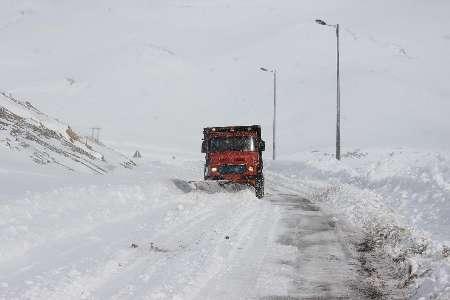 ارتفاع برف در مسیر پونل به خلخال بیش از 40 سانتیمتر