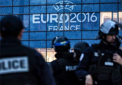 بیانیه یوفا در پی درگیری هواداران انگلیسی و فرانسویها