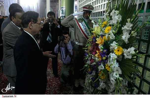 رییس مجلس سنای پاکستان به امام خمینی (ره) ادای احترام کرد