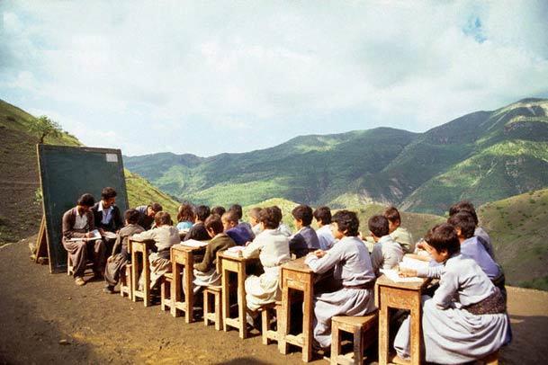 تدریس زبان اقوام در مدارس احیا می شود